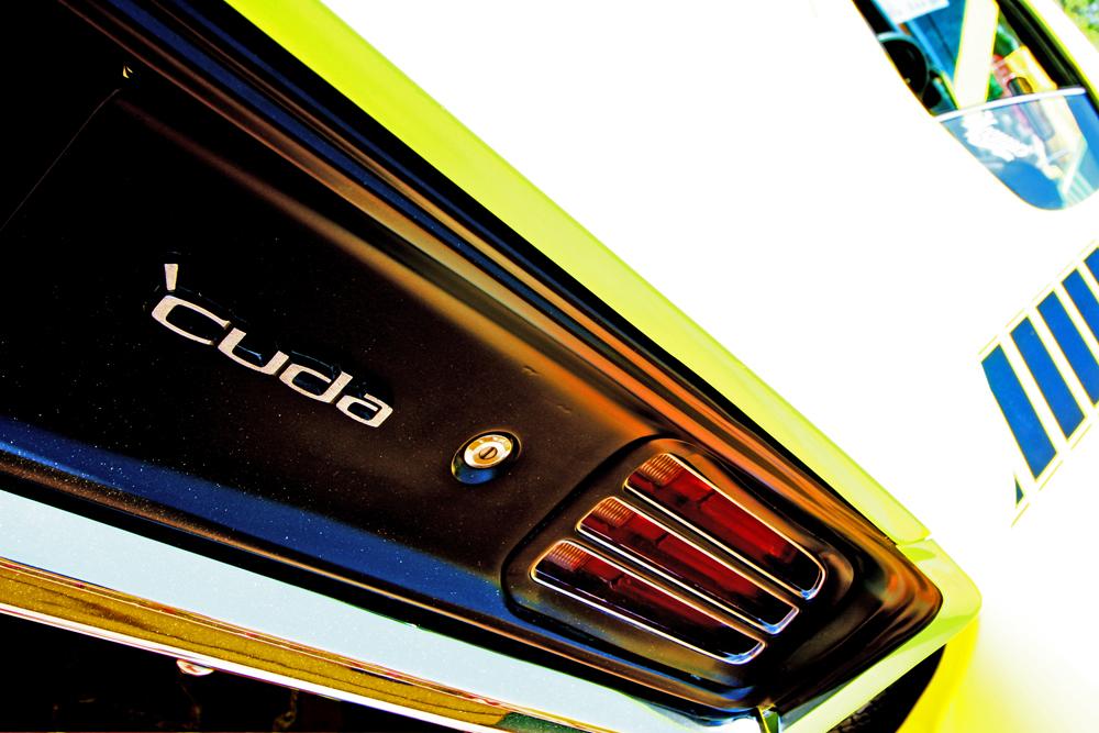 Farbenfrohe Heck eines Plymouth Cuda